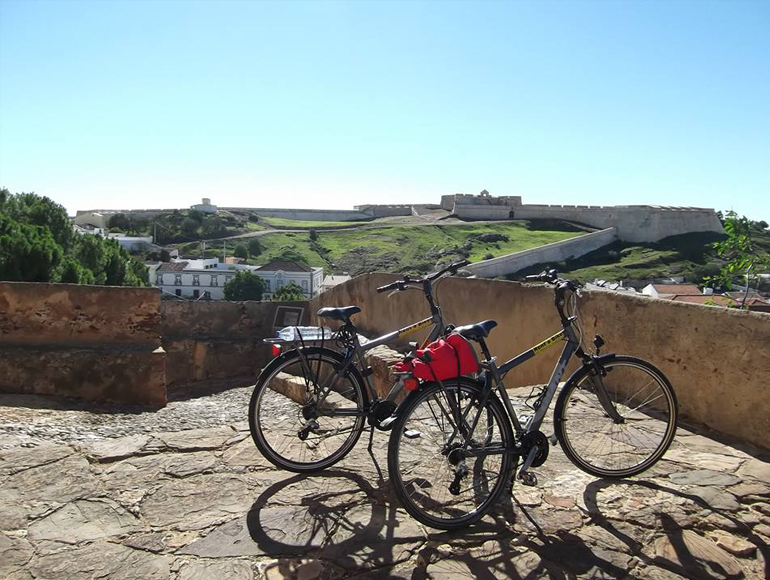 Country side in historic sights: Cycling in the Algarve | MegaSport Travel