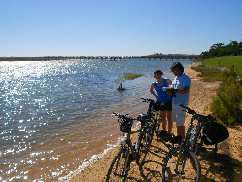 Lake view near the golf courses: Cycling in the Algarve | MegaSport Travel