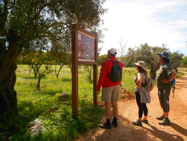 Nature information stop: Hiking in Algarve Portugal | MegaSport Travel
